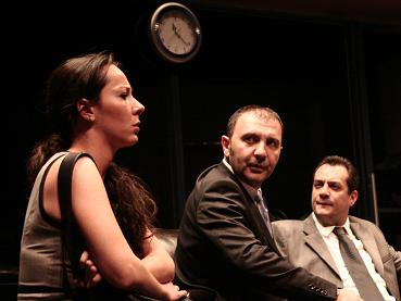 Oyun: Bekleme Salonu, Yazan; Yiğit Sertdemir, Yöneten; Tolga Yeter, İBB Şehir Tiyatroları 2009