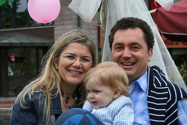 doğum günü: 31 Mayıs 2009 İstanbul, Erim bebek annesi Nur + babası Gökhan Aytekin